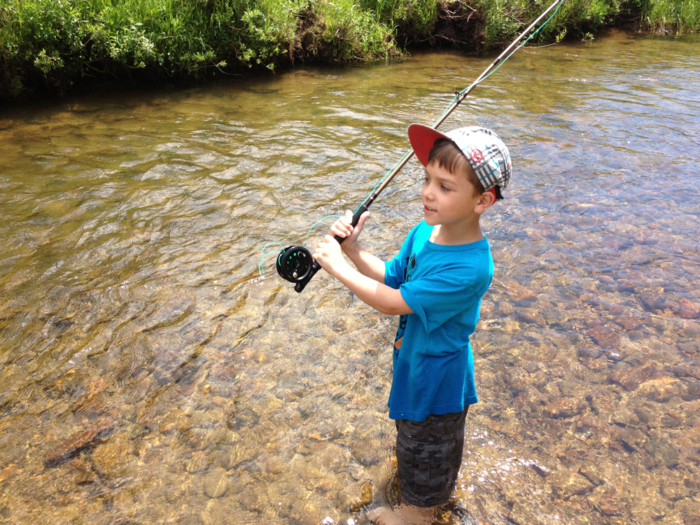 Free camping fly tying and fly fishing fly fishing t for Fly fishing classes
